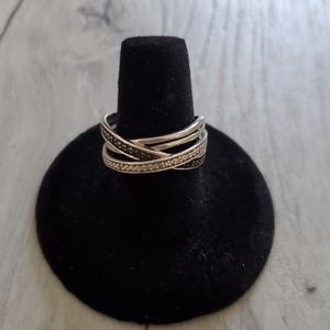 Diamond and black diamond silver ring